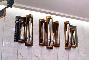 Trauerhalle der Zentralklinik, Moskau [Mönch-Orgelbau Überlingen: ORGEL-DISPOSITION]